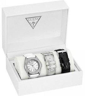Guess Guess Leather Ladies Watch W0069l1