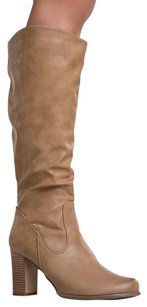 Heart's Collection Beige Boots