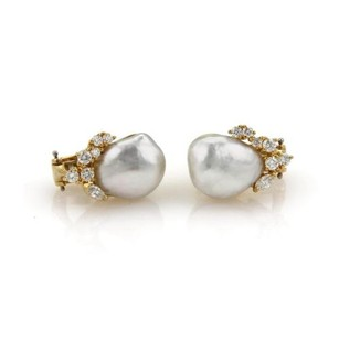 Henry Dunay Designs Henry Dunay Diamond Pearls 18k Yellow Gold Post Clip Earrings
