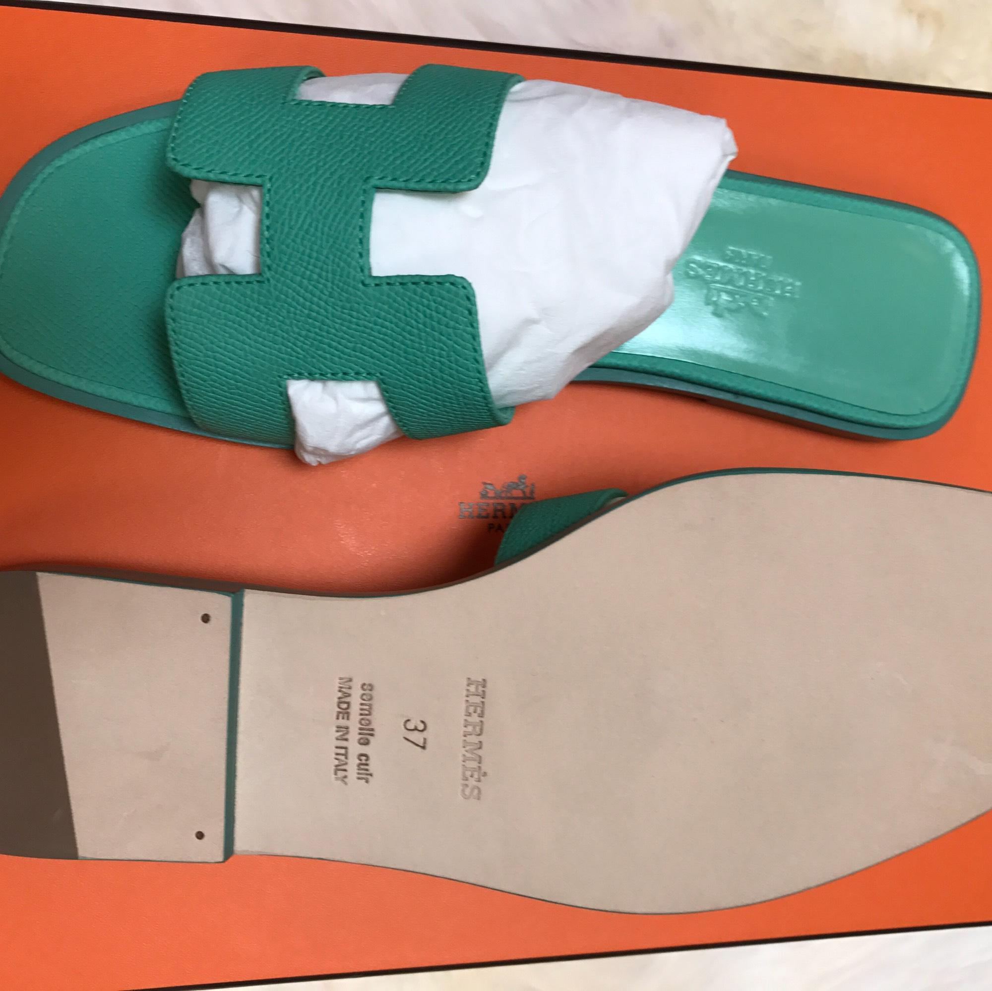 4b7651a4be4c ... Hermès Green Green Green Sandals Size US 7 Regular (M