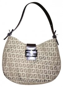 FENDI Leather Strap Magnetic Clasp Shoulder Bag