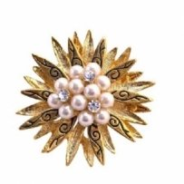 Vintage Gold Brooch Pearls & Cz In Gold