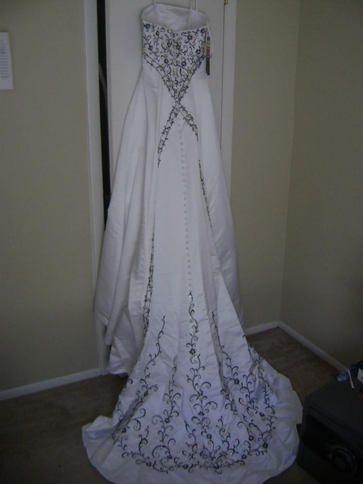 Alfred angelo 1783 wedding dress tradesy weddings for Alfred angelo black and white wedding dress