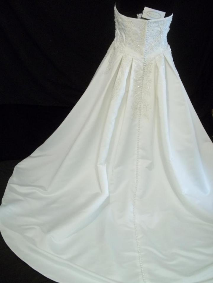 Alfred angelo size 24w with shawl wedding dress for Shawls for wedding dresses