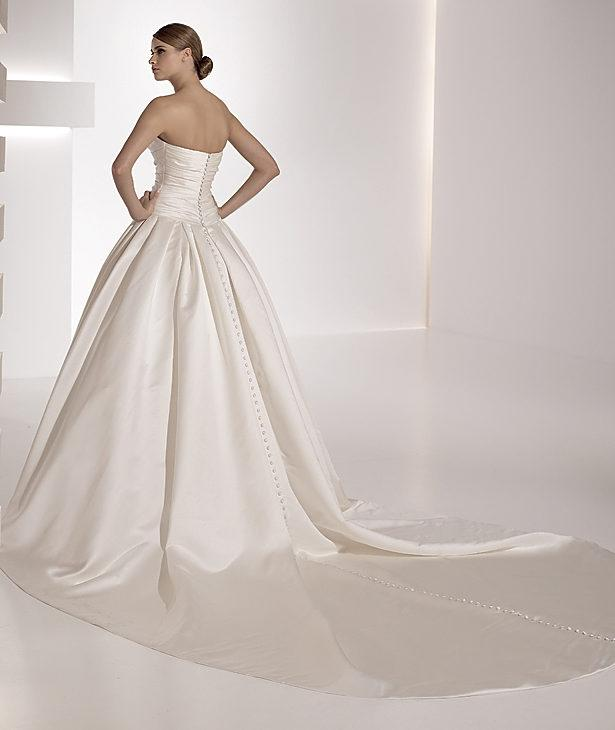 Pronovias georgia wedding dress tradesy weddings for Wedding dresses in ga