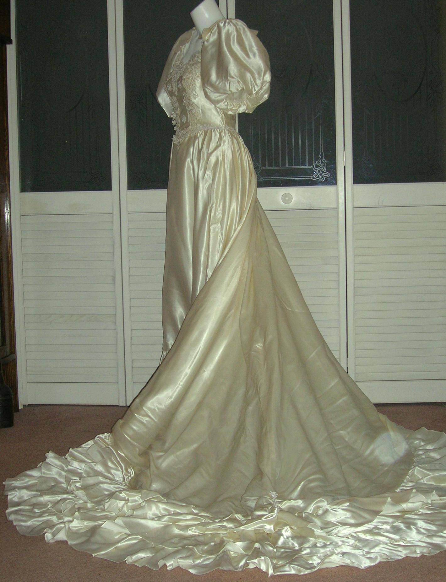 301 moved permanently for Vintage satin wedding dresses
