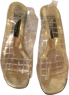 J. Renee Vintage Sporty Glitter Eclectic Clear Plastic Peep Toe Slingback Heels Classic Night Out Retro Gold Pumps