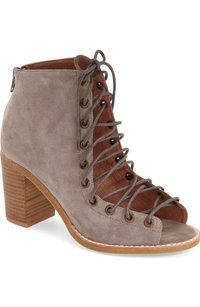 Jeffrey Campbell Cors taupe Boots