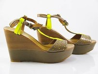 Juicy Couture Strappy Womens brown Platforms