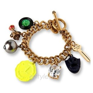 Juicy Couture Juicy Couture Charm Bracelet Record Trophy Key Yjru5382