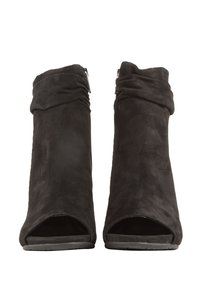 Kenneth Cole 410004148262 Black Boots