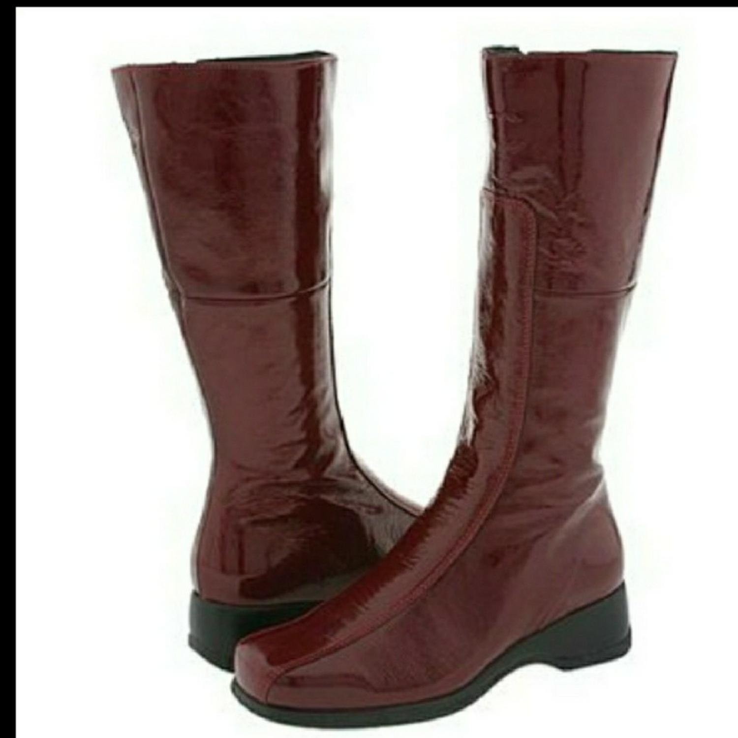 La Canadienne Cherry Blanche Boots