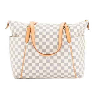 Louis Vuitton 3364019 Shoulder Bag
