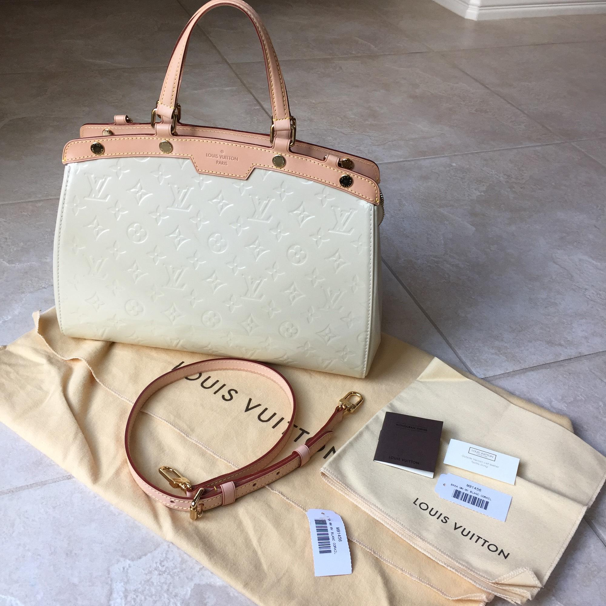 Louis Vuitton Brea Mm Monogram Vernis Lv Vernis Satchel in Blanc Corail.  123456789101112