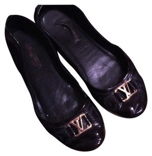 Louis Vuitton Flat Loafers Black Flats