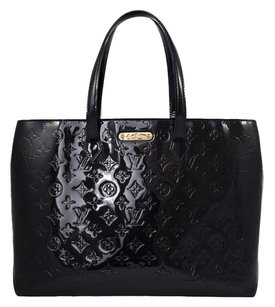 Louis Vuitton Leather Patent Leather Vernis Tote in Black