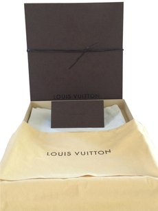 Louis Vuitton Louis Vuitton Neverfull Gift box and Acessories