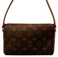 Louis Vuitton Lv Pochette Shoulder Bag