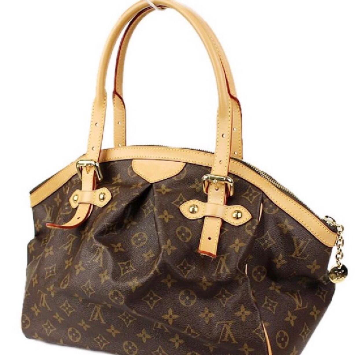 louis vuitton speedy bandouliere date code All authentic louis vuitton handbags since the early 1980's have date codes date codes are a series of numbers and letters that represent the date the bag was made and the factory where it was made these date counterfeiters are getting rich knocking off designer bags and some have the fonts almost exact almost.