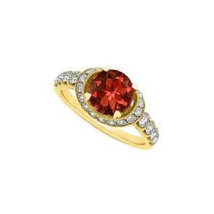 LoveBrightJewelry Beautifully Crafted Garnet and CZ Ring 1.75 TGW