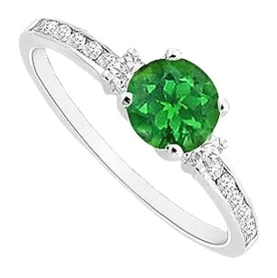 LoveBrightJewelry Frosted Emerald Engagement Ring with Cubic Zirconia in Rhodium Treated 925 Sterling Silver 0.75