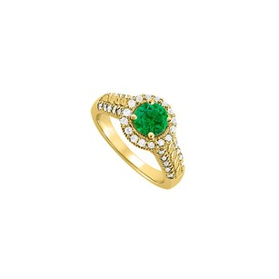 LoveBrightJewelry May Birthstone Emerald And Cubic Zirconia Ring 1.50 Tgw