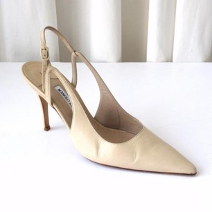 Manolo Blahnik Womens Nude Leather Slingback Beige Pumps
