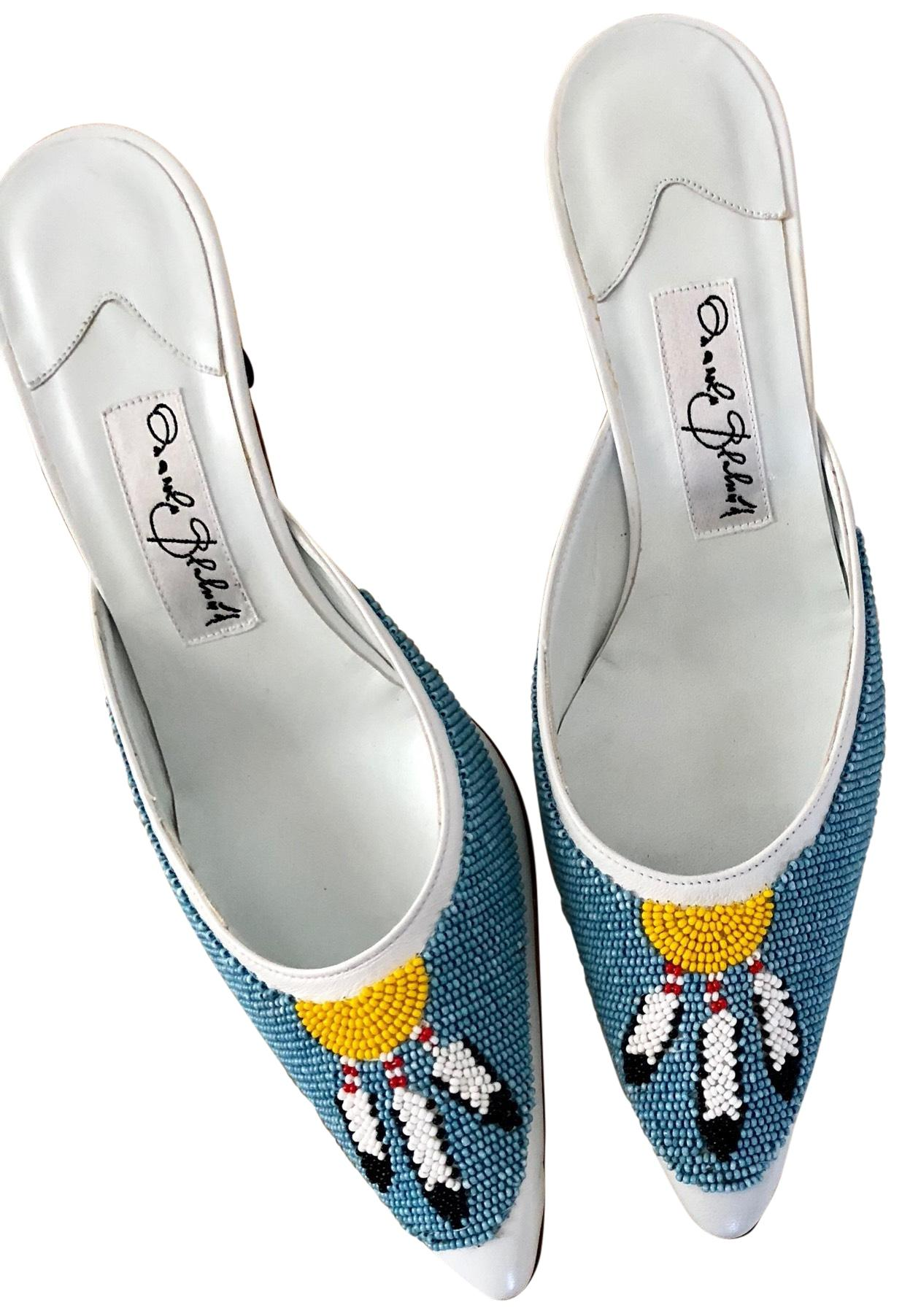 Manolo Blahnik White and Blue Beaded Feather Mules/Slides Size EU 37.5 (Approx. US 7.5) Regular (M, B)