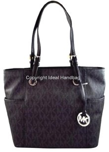 Michael Kors Shoppers Tote in Black