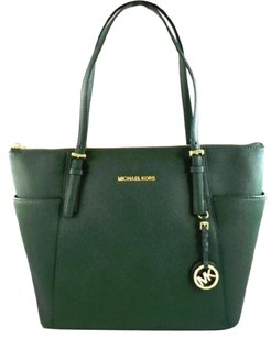 Michael Kors Leather Jet Set Tote in Green