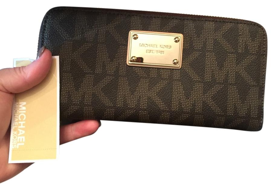80a4ad0dc926 ... new style michael kors nwt michael kors jet set item zip around za  continental wallet mocha italy michael kors za continental mocha logoed  fabric ...