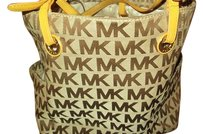 Michael Kors Jet Set Tote in tan brown yellow leather handles