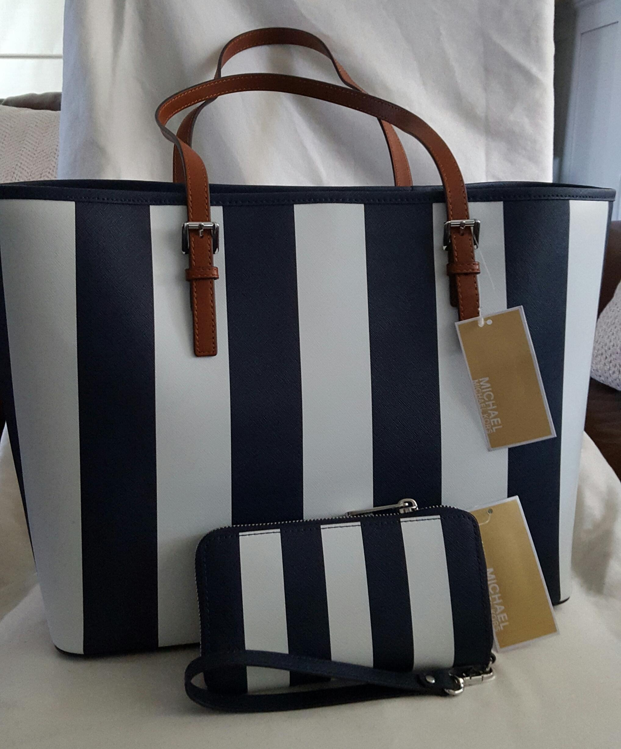 Michael Kors Jet Set Travel And Wallet Navy Blue/white Tote Bag on ...