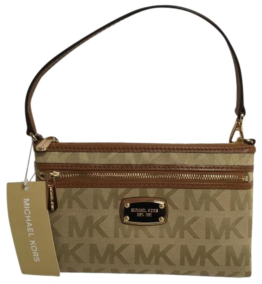 7686cb6d43bc Buy michael kors signature wristlet   OFF30% Discounted