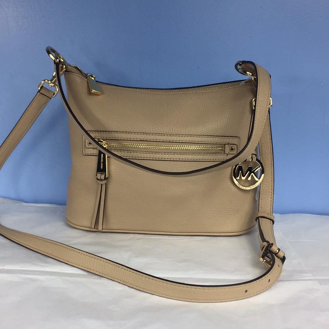 f689515ccdef italy michael michael kors new womens bisque leather shoulder bag tradesy  5d631 880c1
