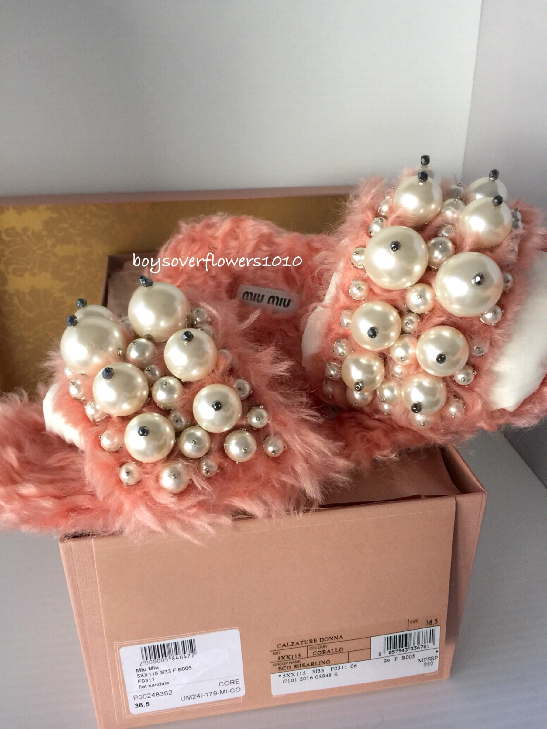 Miu Miu New Coral Embellished Faux Fur Pearl Slide