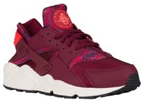 NIKE AIR HUARACHE - WOMEN'S Size 7.5 NEW Purple Athletic