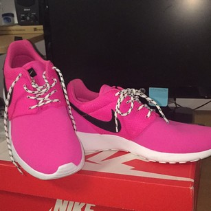 Nike Bubble gum pink/ black Athletic