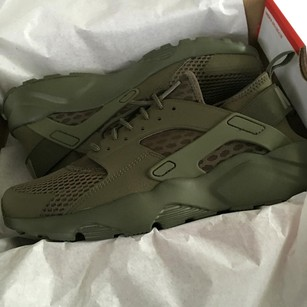 Nike Olive green Athletic
