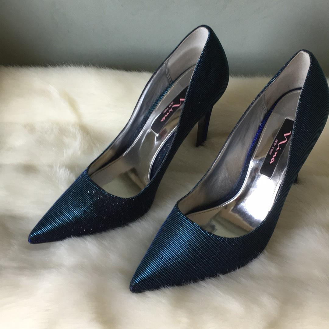 shoes pumps iridescent teal blue formal shoes on