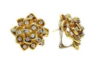 1.70 Ct Diamont Accent With Yellow Gold Stud Earrings Floral Style