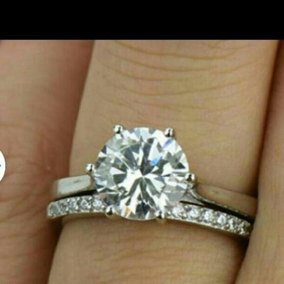 diamond single women Find fabulous diamond cocktail rings at ross-simons on sale today free shipping & easy 30-day returns on fine diamond right hand rings.
