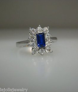 18k White Gold Sapphire Ladies Ring 7.25