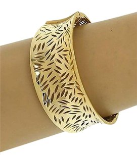18kt Solid Yellow Gold Cut Out Leaves Wide Contour Design Banglebracelet