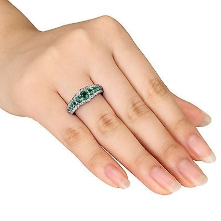 Other 34 Ct Tgw Emerald Fashion Ring In Sterling Silver