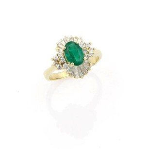 Estate 14k Yellow Gold Oval Shaped Emerald And Diamond Cocktail Ring -