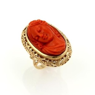 Other Estate Vintage 18k Yellow Gold Deep Carved Coral Cameo Woman Oval Ring