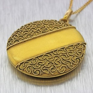 1890s Antique Victorian Estate 9ct Solid Yellow Gold Pendant Locket Necklace