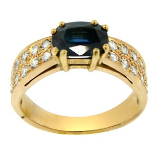 Estate 18k Yellow Gold Sapphire And Diamond Embellished Ring