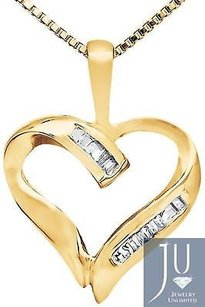 Ladies 10k Yellow Gold Heart Baguette-cut Diamonds 1 Inch Pendant Charm 0.03ct.